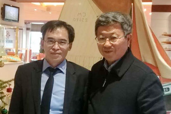 Le président Chi Fulin du China Reform Institute a rencontré Jacques Sun, président de l'Association franco-asiatique asiatique